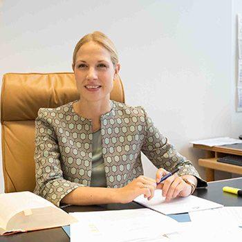 Dr. Laurie-Ann Klein, Rechtsanwältin und Fachanwältin für Arbeitsrecht bei Welkoborsky & Partner